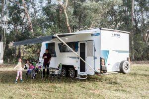 phoca_thumb_l_Avida-Emerald-Tourer-Caravan (4)