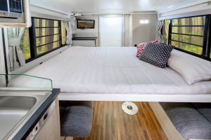 leura-motorhome-electric-bed