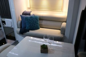 phoca_thumb_l_2017 fremantle c8614sl interior lounge