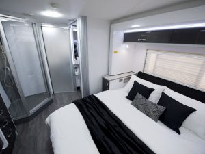 phoca_thumb_m_Longreach-CV9536SL_Bedroom_bathroom_M